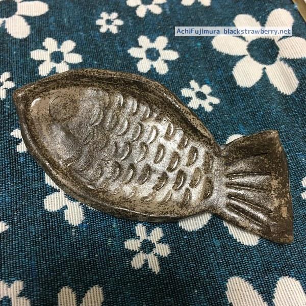 オーブン陶土で魚のかたちのお皿作ってみた
