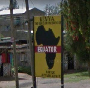 ケニアの赤道看板